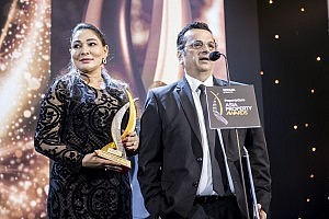 CEO & Director, Janaki Siriwardhana (left) and Chief Marketing Officer, Jaideep Wahi (right) receiving the award for the Best Mixed Use Development Project (Asia) for 'The One' at the recent Asia Property Awards 2019.